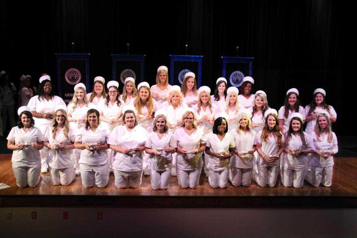 Group photo from 2018 Capping & Pinning Ceremony.