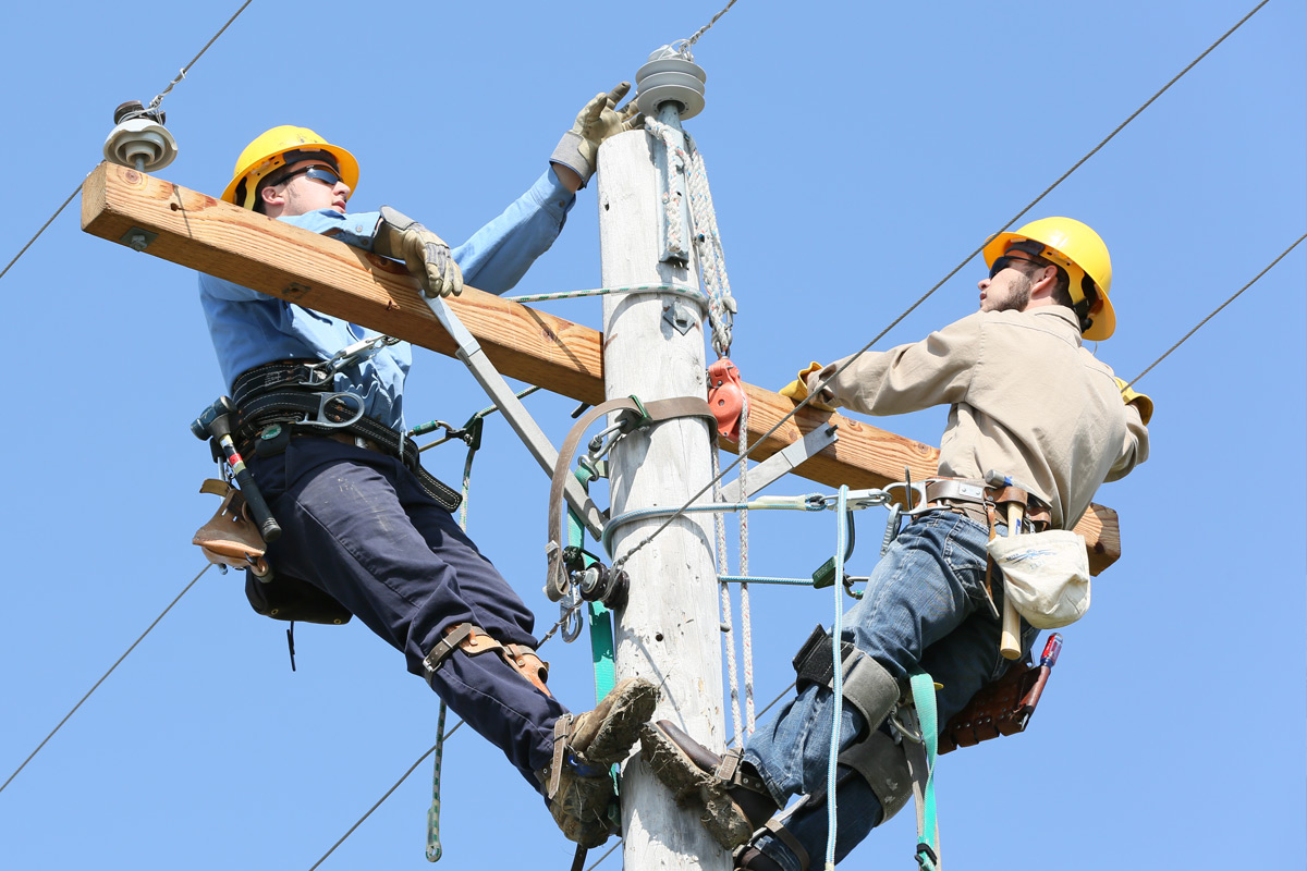 High Voltage Lineman Technology | Arkansas State University - Newport